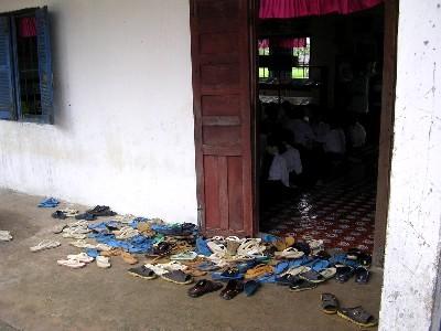 shoes_at_door