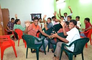 Students wave-XL